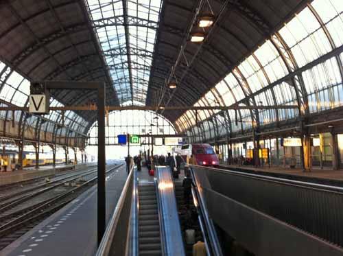 アムステルダム中央駅で撮影したタリス