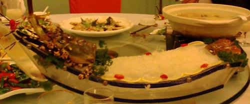 重慶で食べた伊勢海老の刺身