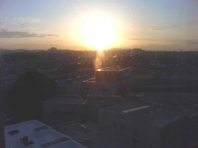 帰国の日は、早く起きたので日の出を撮影。
