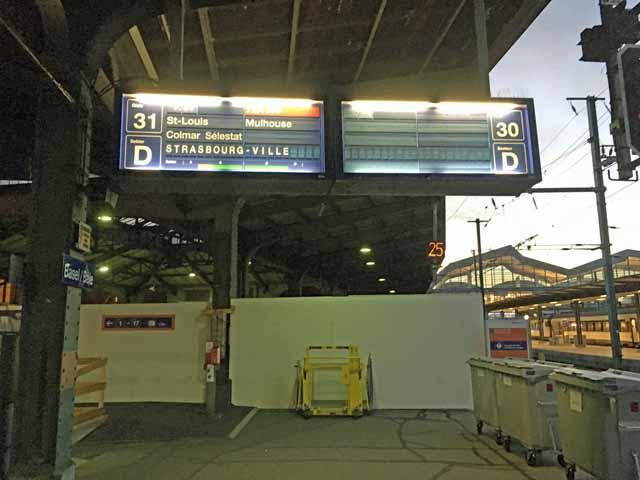 バーゼル駅でストラスブールまでの電車を待っているときに撮影。
