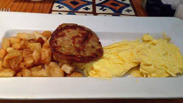 シカゴのオヘア空港のバーで食べた朝食