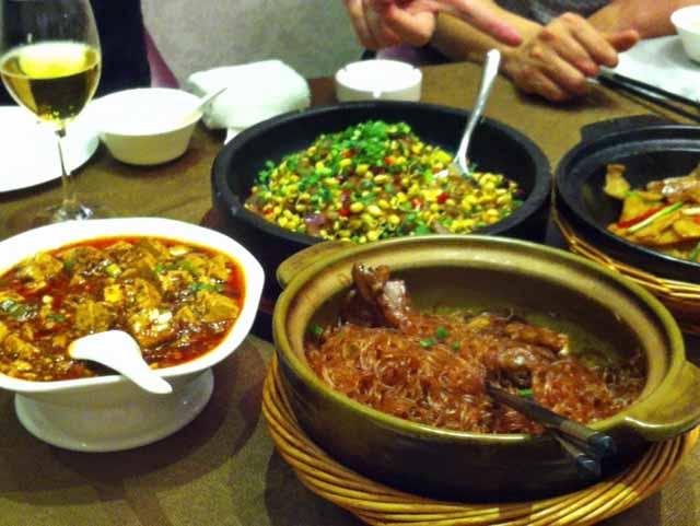 四川料理 麻婆豆腐は、あまり辛くなかったので食べやすかった。