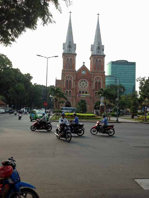 ホーチミン大聖堂の写真