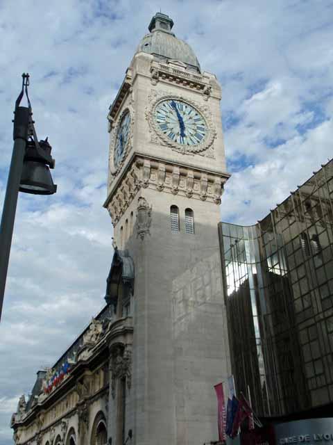 パリ・リオン駅の時計台