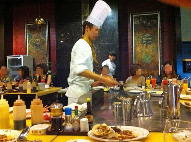 深圳の鉄板焼レストランで撮影。