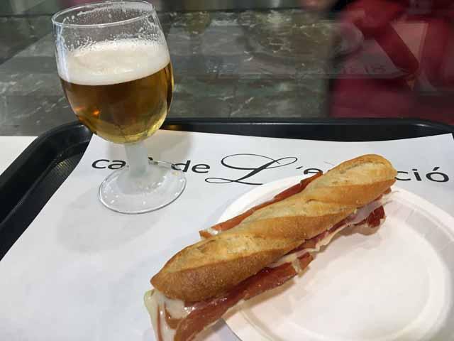 バルセロナ・サンツ駅(Barcelona Sant)駅構内