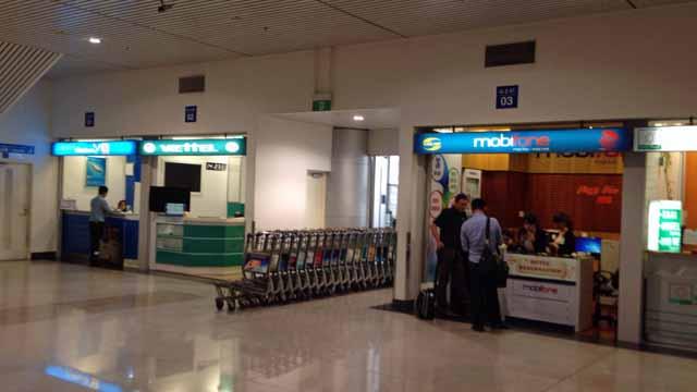 ホーチミン空港にある携帯電話会社のカウンター